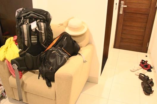 somas, kurpes koridorā