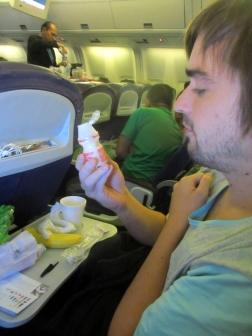 brokastīs amerikāņu energy drink amerikāņu lidojumu stilā